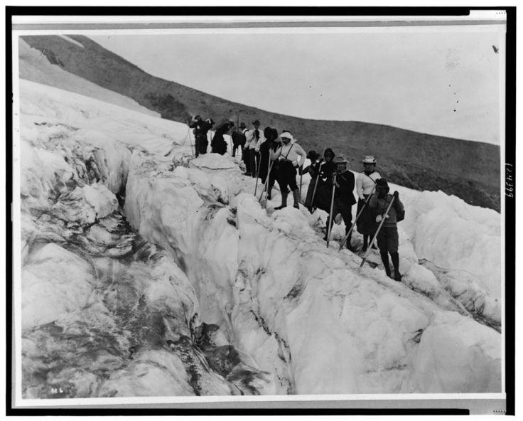 Mountaineering on Mt Shasta