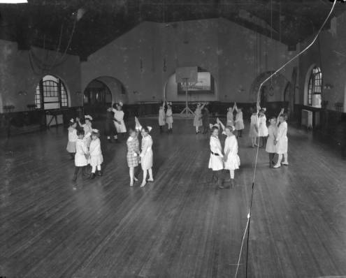 58_Girls_in_Gym_Dance_Poses_Kerlin_Hall_8x10_Plate_Cracked